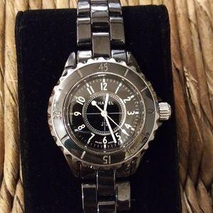Chanel J12 Ladies Quartz Watch